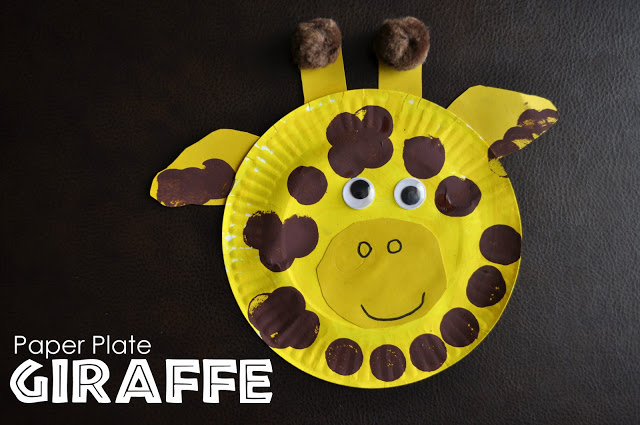 Draw a nose and mouth on your giraffe. We used pencil first and then traced it with black marker. It took my son a couple tries to get his nose how ... & Paper Plate Giraffe | I Heart Crafty Things