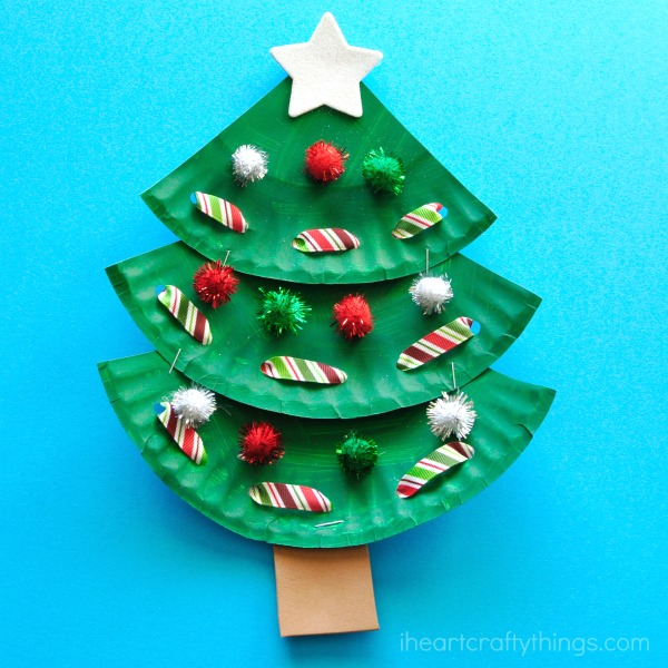 I love how the ridge of the paper plate gives the paper plate Christmas tree craft some added texture. & Paper Plate Christmas Tree Craft | I Heart Crafty Things