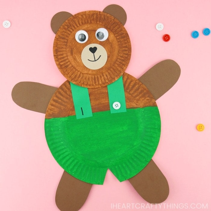 Fun and easy paper plate corduroy craft for preschoolers. Grab our free template printable to make this cute Corduroy preschool craft.