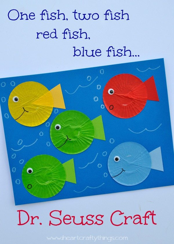 One fish two fish red fish blue fish dr seuss craft i for Fish crafts for preschoolers