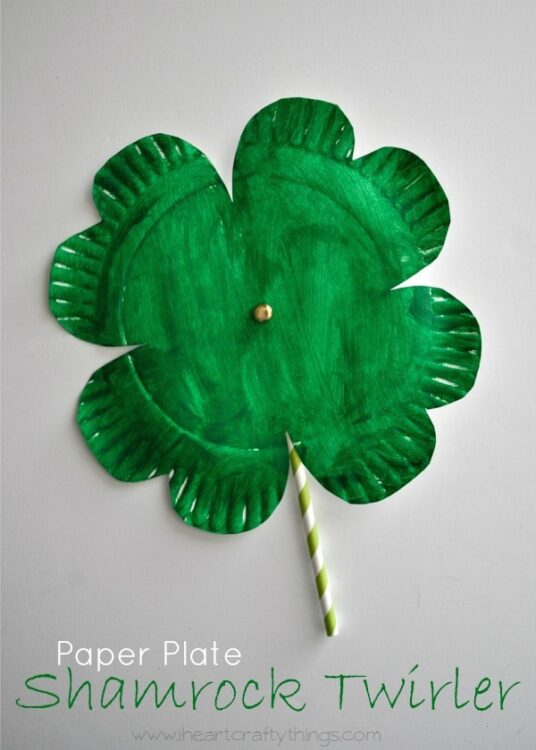 ... spinning Paper Plate Shamrock Twirler that brought a huge smile to her face. Look for a short video at the end of the post to see the twirler in action. & Shamrock Twirler St. Patrick\u0027s Day Craft | I Heart Crafty Things