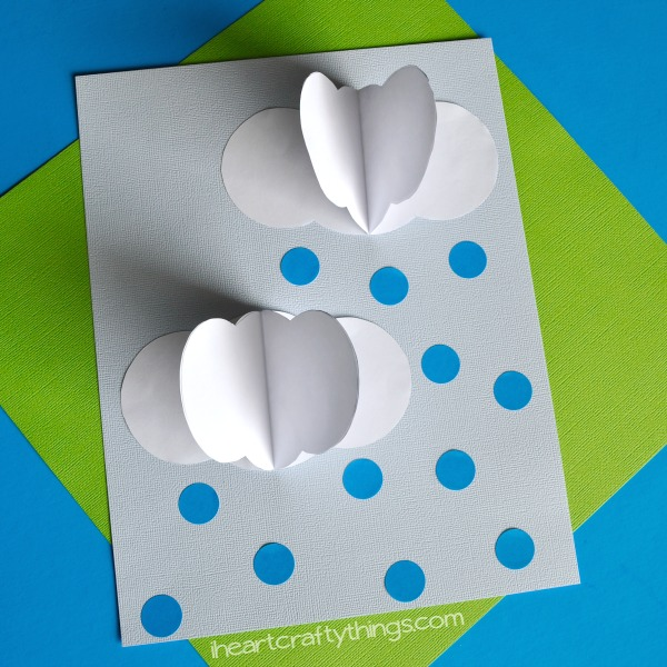 Fun 3-D rain clouds craft, perfect for a spring kids craft, rainy day kids craft, weather craft for kids and rain craft for kids.