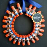 Back-to-School Teacher Gift: Elmer's Glue Stick Wreath