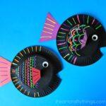 Paper Plate Fish Kids Craft {using liquid chalk}