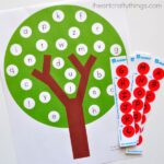 This Apple Tree ABC Match Preschool Printable is a great way for preschoolers to practice their matching their alphabet letters.