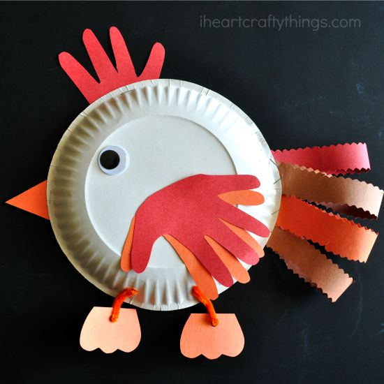 We decided to make a Paper Plate Chicken Craft for Kids to go along with the silly story. & Paper Plate Chicken Craft for Kids | I Heart Crafty Things