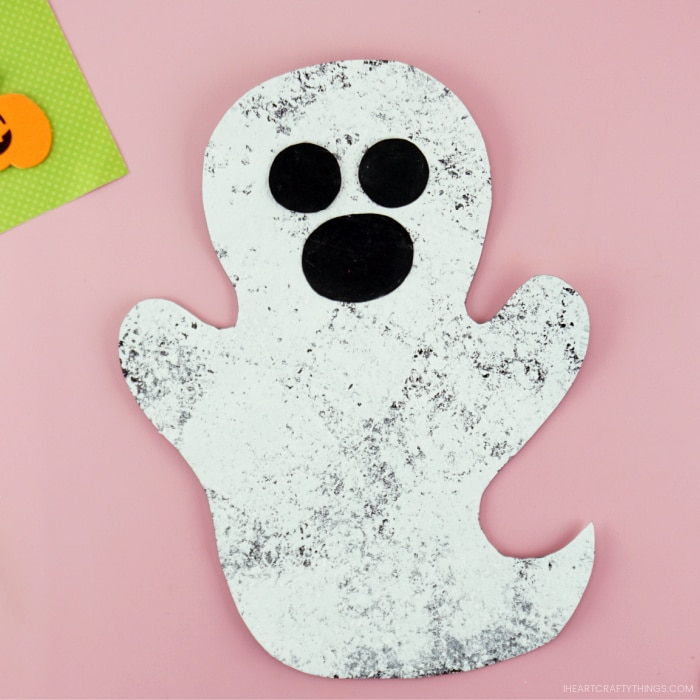 Square close up image of completed sponge painted ghost craft.