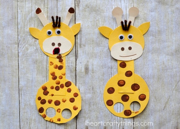 Adorable giraffe finger puppet craft i heart crafty things for Paper plate puppets templates