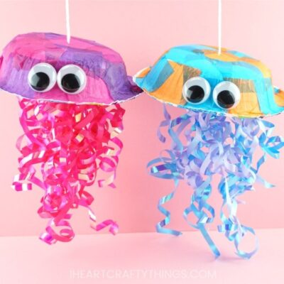 This colorful jellyfish craft for kids is a great for a summer kids craft or an ocean kids craft. It's so simple to make and requires no messy painting.