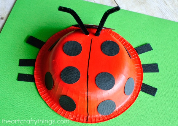 Paper bowl ladybug craft for kids perfect for a spring kids craft or for learning & Paper Bowl Ladybug Craft | I Heart Crafty Things