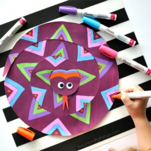 This painted paper snake craft for kids is a fabulous open ended craft where children will have fun designing their own patterns and creating a one-of-a-kind snake. Makes a great summer kids craft.