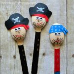 This awesome pirate craft for kids makes a cute pirate puppet and goes along great with a myriad of children's books with pirate characters.