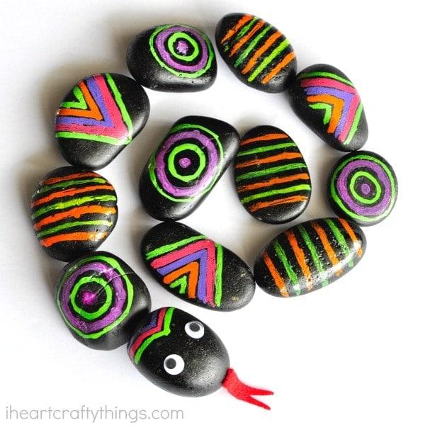 patterned-rocks-snake-craft-2