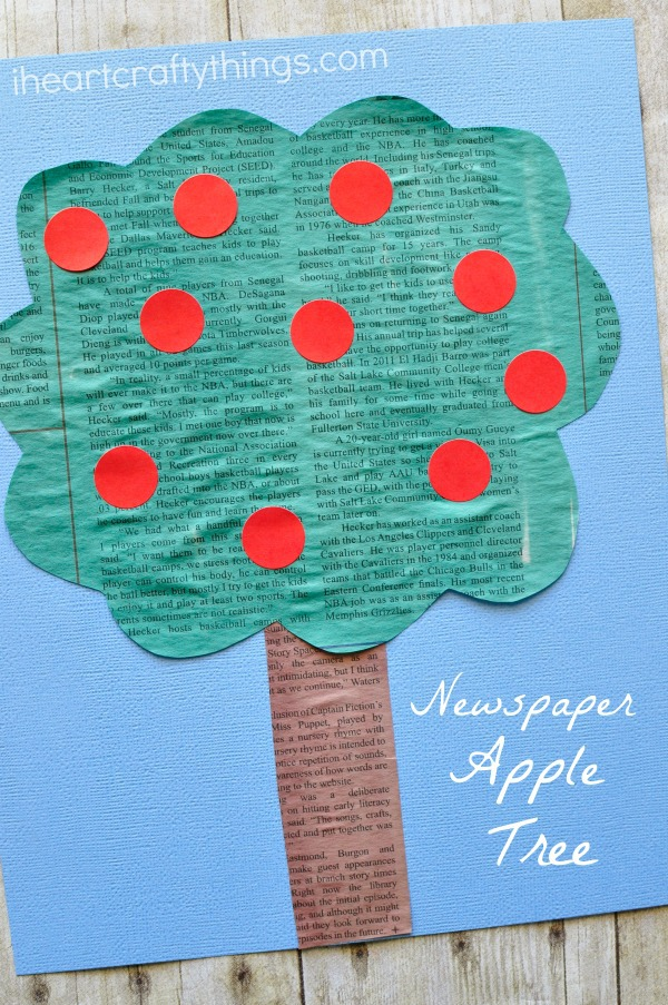 newspaper-apple-tree-craft
