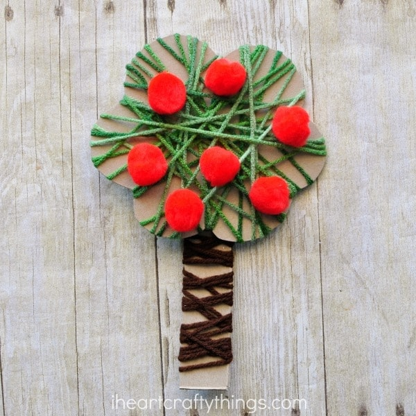 yarn-wrapped-apple-tree-craft