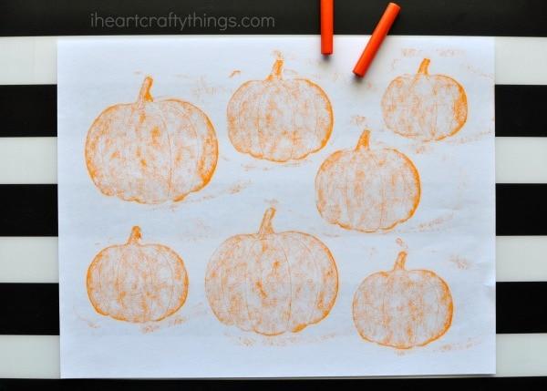 crayon-rubbing-pumpking-patch-craft-5