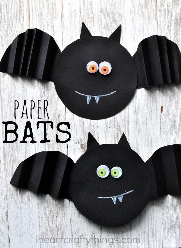 Simple Accordion Fold Paper Bat Craft | I Crafty Things on