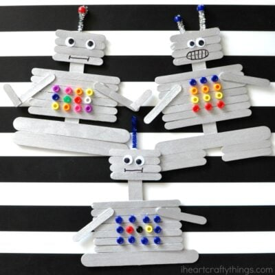 This craft stick robot craft for kids is a fun and creative craft for kids. Fun kids craft, preschool craft and summer kids craft.