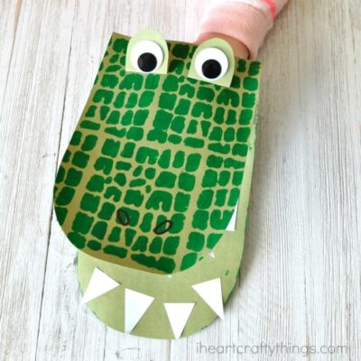 Awesome DIY Alligator Puppets