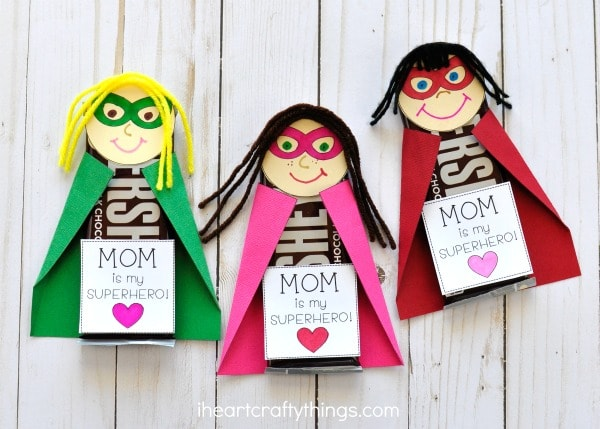 Diy gifts for your mom do it your self for Things to do on mother s day at home