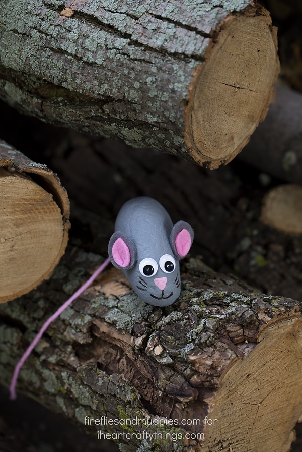 Easy Painted Mouse Rocks