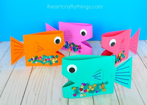Super cute paper fish craft i heart crafty things for Easy things to make out of paper for kids
