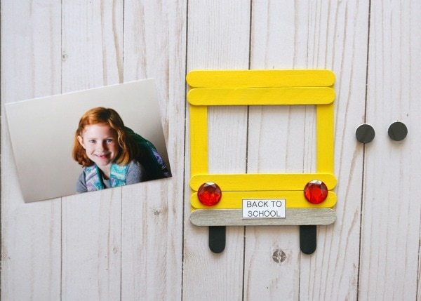 DIY Back-to-School Photo Frame | I Heart Crafty Things