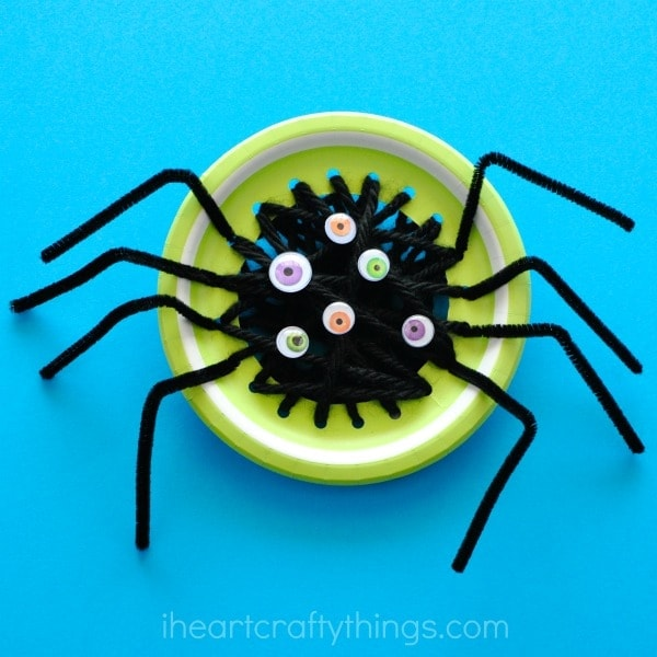 This spooky spider Halloween sewing craft is great for fine motor work and beginning sewing skills for kids. Fun Halloween kids craft and spider craft.