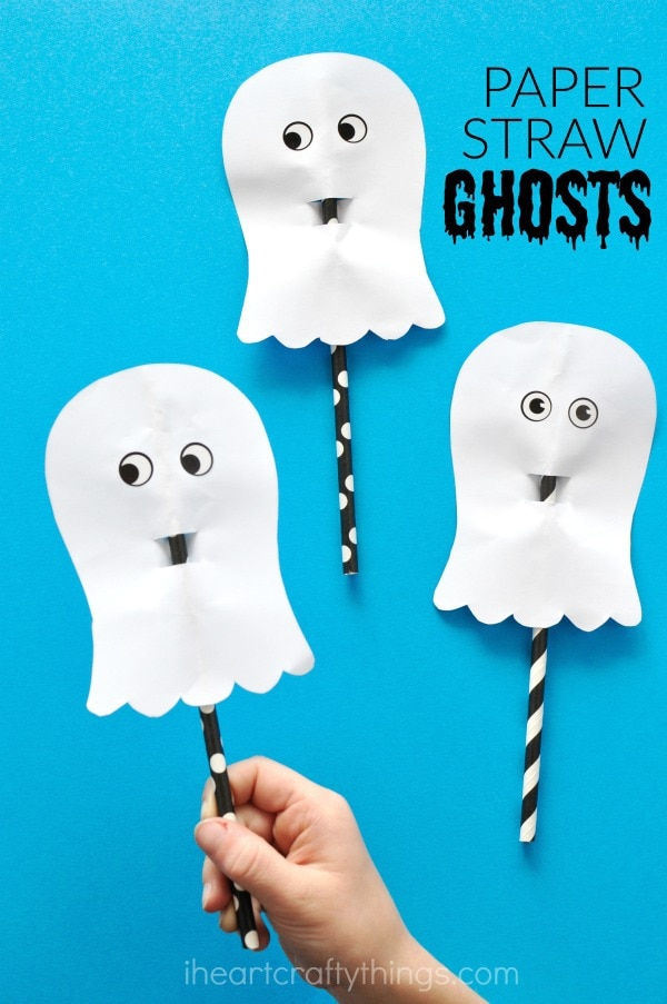 Looking For More Simple And Easy Halloween Paper Crafts Youll Love This Cute Accordion Fold Bat Craft Or Playful Plate