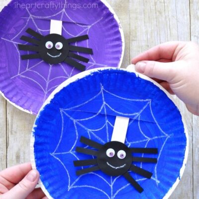 Playful paper plate spider web craft. Great for Halloween spider craft, preschool spider craft or insect craft and Itsy Bitsy Spider craft for preschool.
