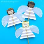 Beautiful Christmas angel craft for kids to make. Great Christmas craft for kids, angel kids craft and Sunday school Christmas craft for kids.