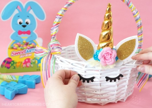 Diy unicorn easter basket 5 i heart crafty things this beautiful diy unicorn easter basket is sure to thrill any unicorn fan best of negle Image collections