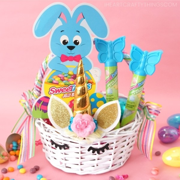 This beautiful DIY Unicorn Easter basket is sure to thrill any unicorn fan. Best of all, it is so simple to put together that even beginning crafters can create it in no time at all. Grab your supplies and get ready to make this fun DIY Easter basket idea.