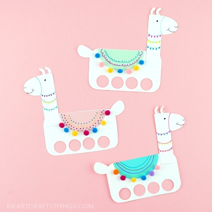 Get the template to make playful llama craft finger puppets. Fun llama craft for kids to create, decorate and play with. Cute Llama birthday party activity.