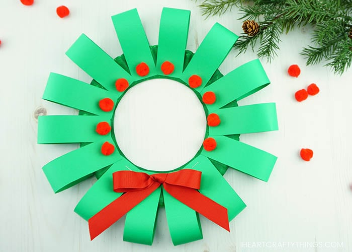 Paper Christmas Wreath Designs.Paper Plate Christmas Wreath Craft