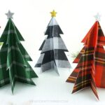 Add to your rustic holiday decor by making a plaid Christmas tree craft. Simple DIY Christmas plaid decor, DIY rustic Christmas decor and Christmas craft.