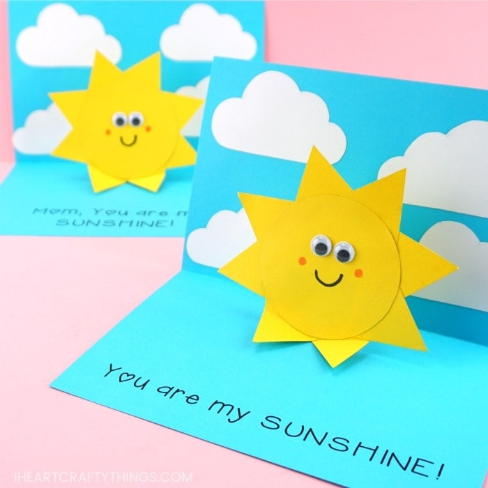 Simple and easy You are my Sunshine Card for kids to make for Mother's Day, Father's Day or as a handmade greeting card for any time of year -Free template!