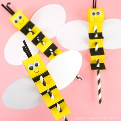 Kids will love making and playing with this paper straw bee puppet. Simple and fun summer crafts for kids with printable template.