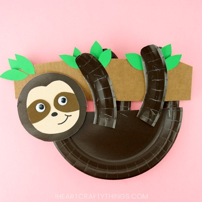 Curious George Paper Plate Mask - Crafts by Amanda | 700x700